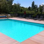 piscine chauffee et tres bien exposee