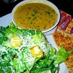 Calorie content is reasonable in soup 'n salad combo