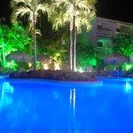 La piscine by night