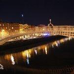 Il ponte con le luci notturne