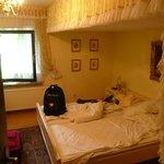 bedroom 2 (suite on top floor)