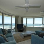 3 Bedroom Superior Ocean View -  Lounge / Dining