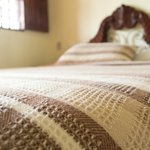 Un dulce descanso en cómodas camas, interior de la habitación