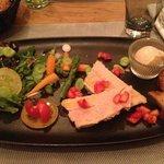 Entrées - Foie gras, légumes sautés fraises & pain d'épices
