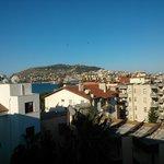 Het uitzicht vanaf onze kamer (5e verdieping)