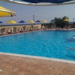La grande piscine tôt le matin