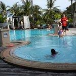 สระว่ายน้ำ Cape Panwa