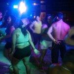 Los venezolanos bailando