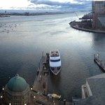 excellent harbor view!