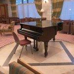 hall con piano