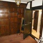 Room 17 showing en-suite