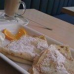 Apple Cinnamon Pancakes & Cafe Latte