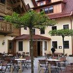 """Das Hotel-Restaurant """"Adler"""" nach der Erweiterung"""