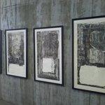 musee peintures et statues face au musee
