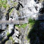 """die """"letzte"""" Brücke mit Gedenkstätte"""