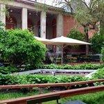 schönes Gartenrestaurant