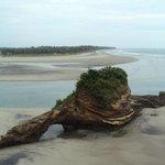Un hermoso islote en la playa