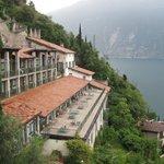 otel/villaggio in collina con vista fantastica (arredi spartani)