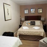 triple room lower floor double bed