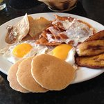 Girasoles breakfast plate