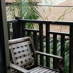 balcony/smoking area