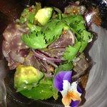 炙燒鮪魚沙拉前菜