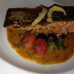 主菜煎鮭魚