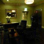 Lobby mit Fahrstuhl
