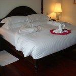 Découverte de notre King size bed le jour d'arrivée +++