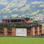 Die tolle Lage des Hotels mit seinem Penthouse Spa