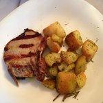 Braciola di Maiale con Patate al forno.