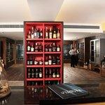 Gourmet Market - Vid a Vid Wine Cellar