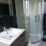 Shower in the en-suite bathroom