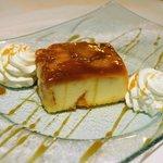 Tarta de crema de queso con manzana y toffe.
