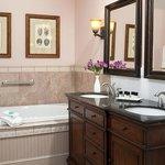 Deluxe Guestroom Spa-Inspired Bathroom