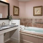 Waterview Grand Suite Spa-Inspired Bathroom