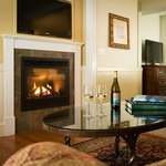 Grand Suite Livingroom with Gas Fireplace
