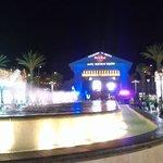 vista dalla piazza del centro commerciale di fronte