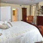 B101 - Master Bedroom