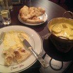 Delicious Chicken Tikka Koorma with Sesame Naan