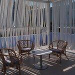 zone intime de la terrasse, manque de chaises longues !