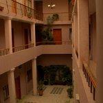 Simplemente la zona de acceso a las habitaciones (primer piso hacia arriba).