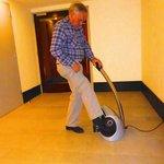 Shoe cleaning machine
