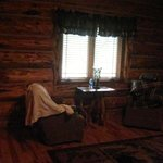 #18 Silver Mountain Lodge master suite sitting area