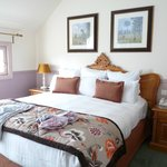 Double bedroom with full bathroom ensuite