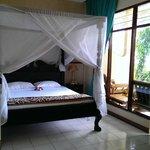 Main bedroom/entry