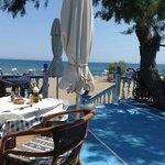 Photo de Beach-Taverna Kastri