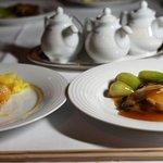 中華レストランより魚料理2種