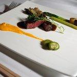 洋食レストランより肉料理