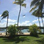 Startende Flugzeuge direkt über der Lagune